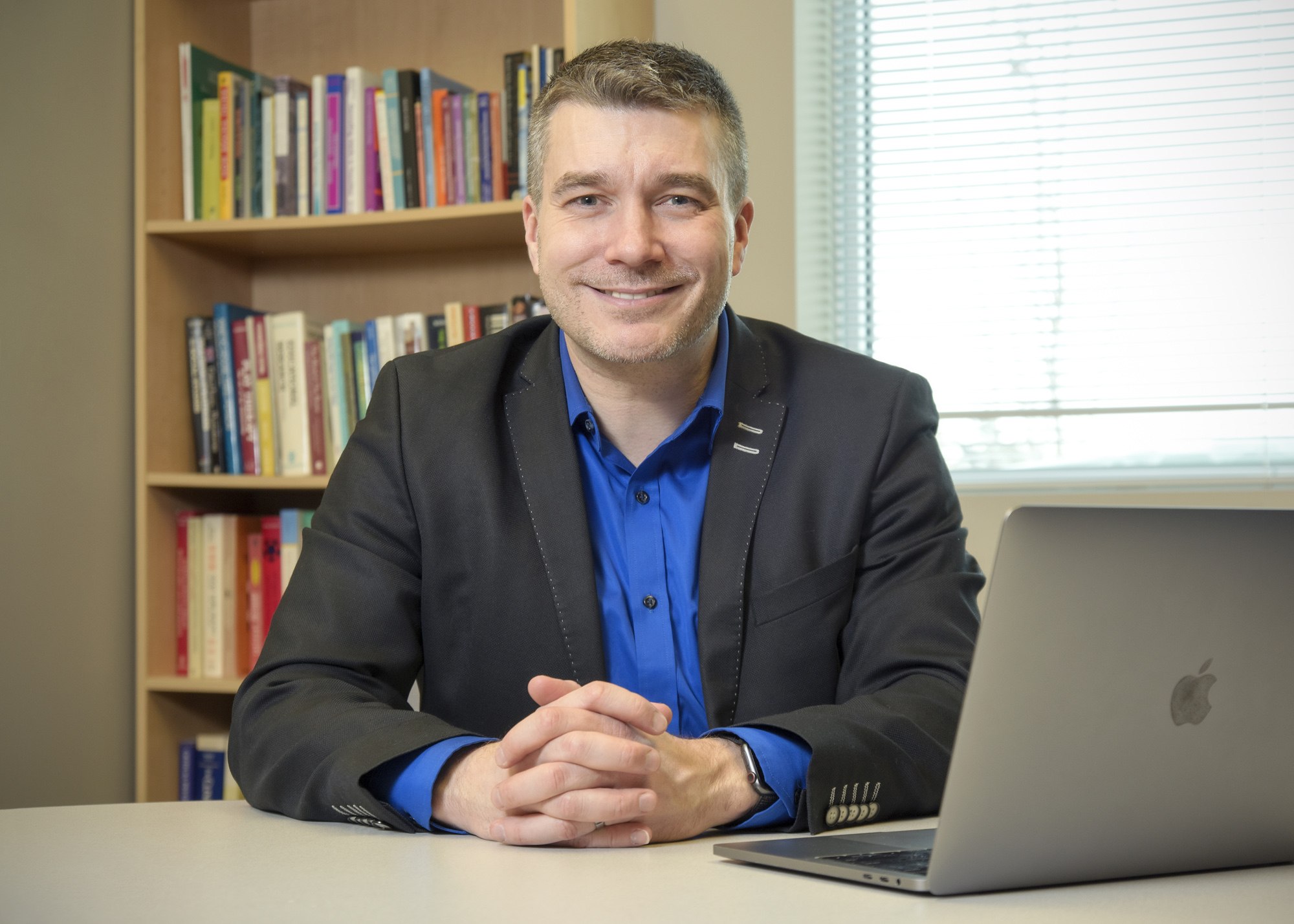 U of R psychology professor R. Nicholas Carleton was named the 2020 winner of the Royal-Mach-Gaensslen Prize for Mental Health Research. (Photo by Trevor Hopkin)
